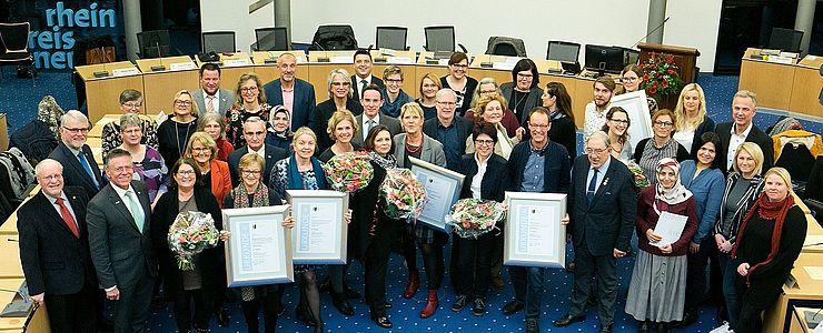 """""""Schule ohne Rassismus – Schule mit Courage"""" – Projekt der Comenius – Schule erhält Anerkennungsurkunde"""
